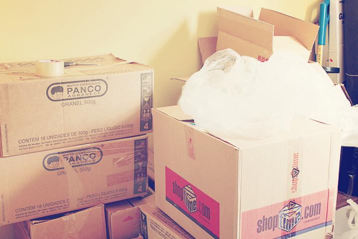 Caixas de papelão e plástico bolha são sempre bem vindos